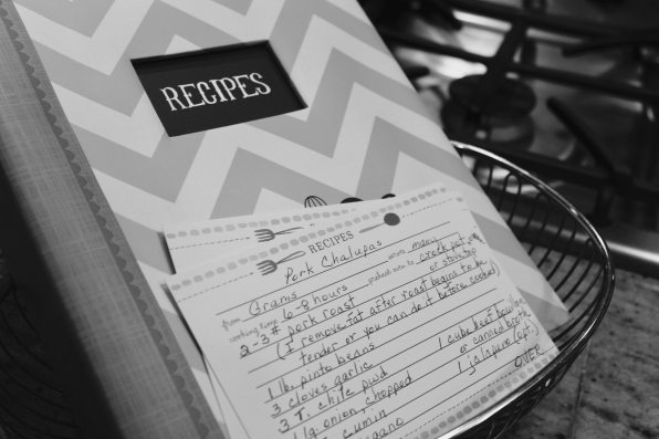 black-and-white-book-data-833109