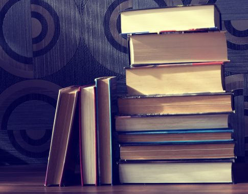 book-stack-books-classic-158834
